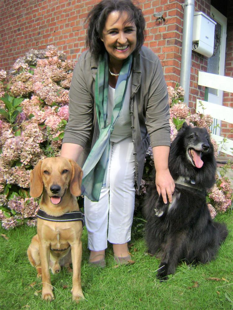 Beatrix Elss mit Carlo und Joshi