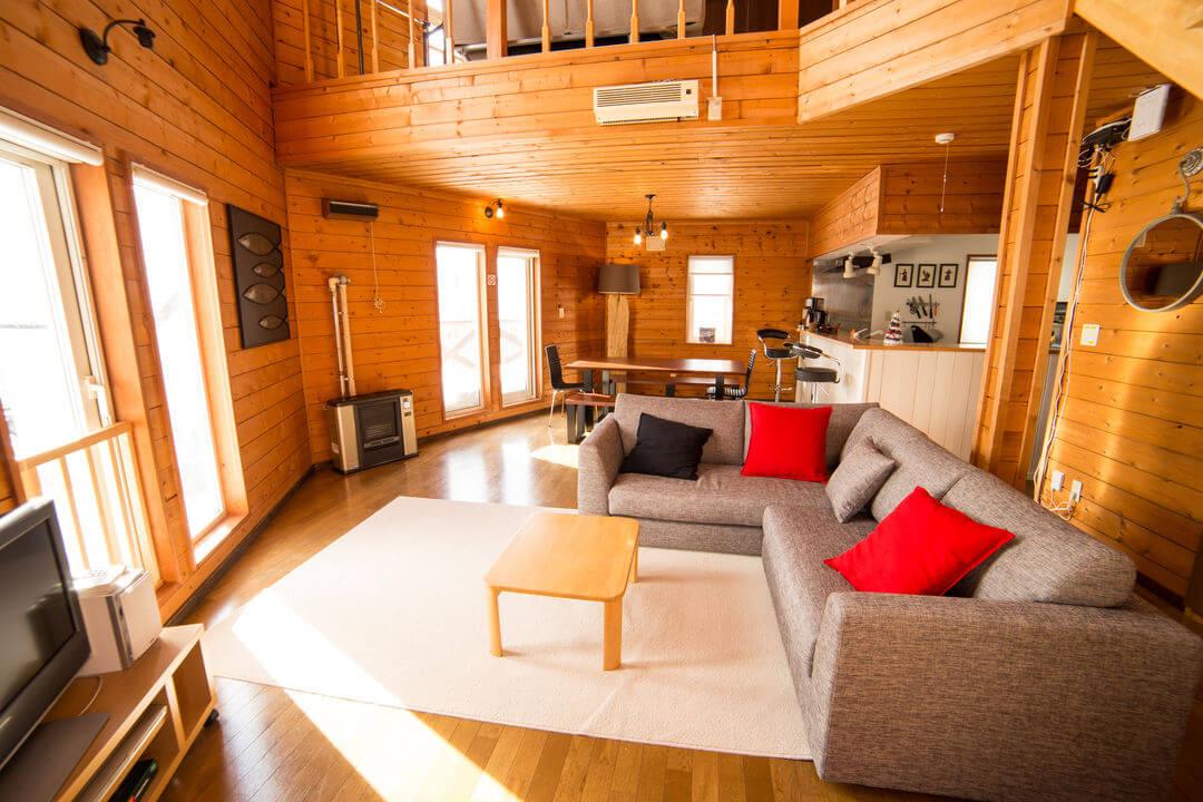 立派な居間に驚きの宿泊 民泊?
