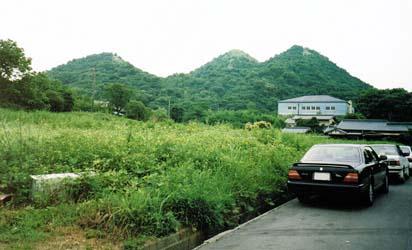 飯塚市にある石炭のボタ山です。