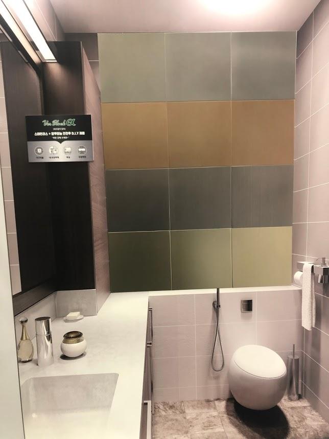 トイレの周りを飾るステンレス装飾金物