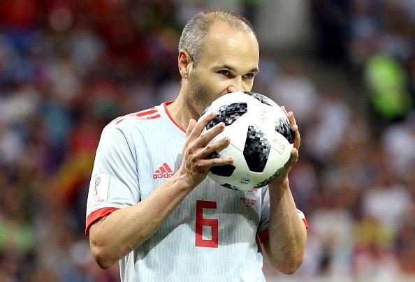 最近話題のヴェッセル神戸に入団するイニエスタ選手 スペイン代表