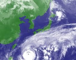 南太平洋で発達した台風の目が日本列島にやってきます。