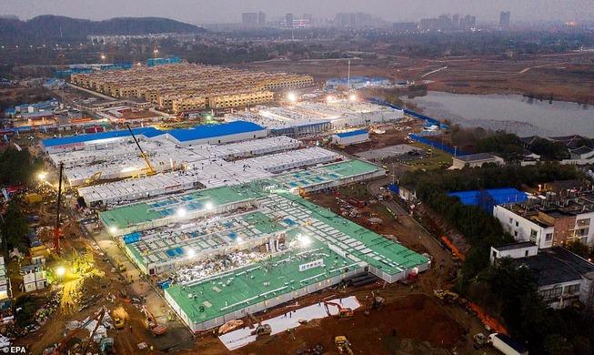 1000人収容の新病院10日で完成