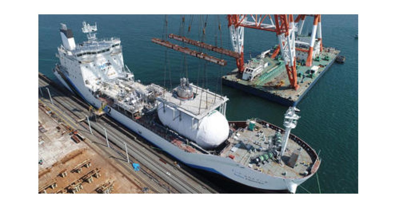 初の水素輸送専用船就航 川崎重工業 神戸