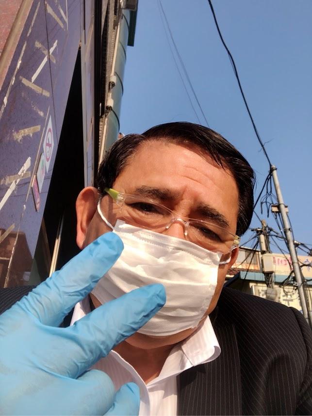 屋外行動にマスク・手袋の防備
