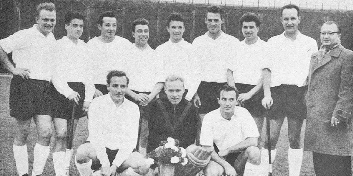 16.03.1960 | Die ersten Herren des KHC sichern sich zum 5. Mal die RPS-Meisterschaft mit einem Rekord. Sie gewinnen alle Spiele ohne Gegentor.