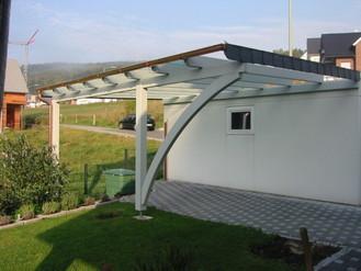 Wunderschön Modell: Siegen Pultdach-Carport aus Leimholz und einen Rundbogen mit VS-Glaseindeckung