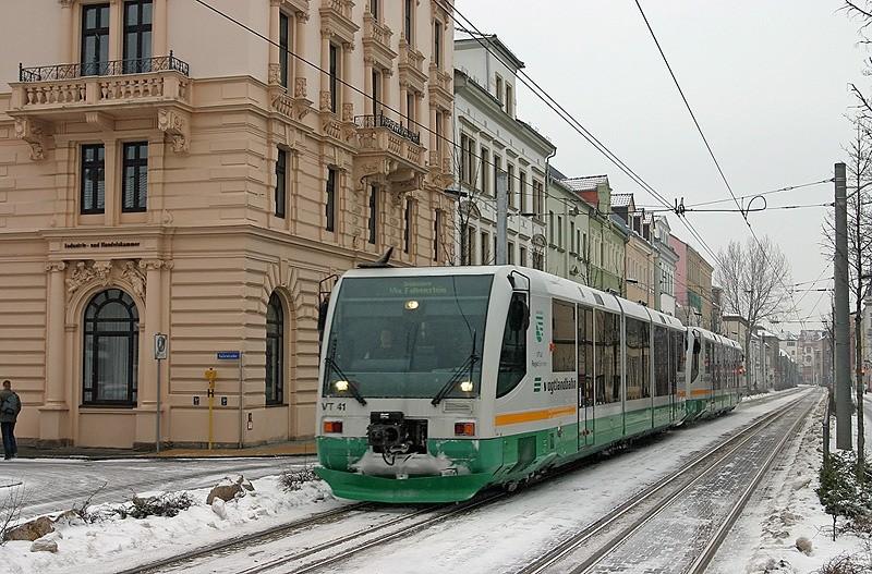 Tram-train reliant Zwickau (Saxe) à Kraslice en République tchèque (véhicule diesel)