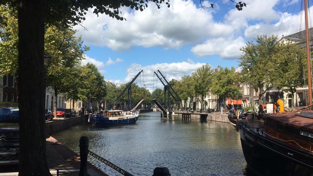 De Lange Haven met een geopende Appelmarktbrug