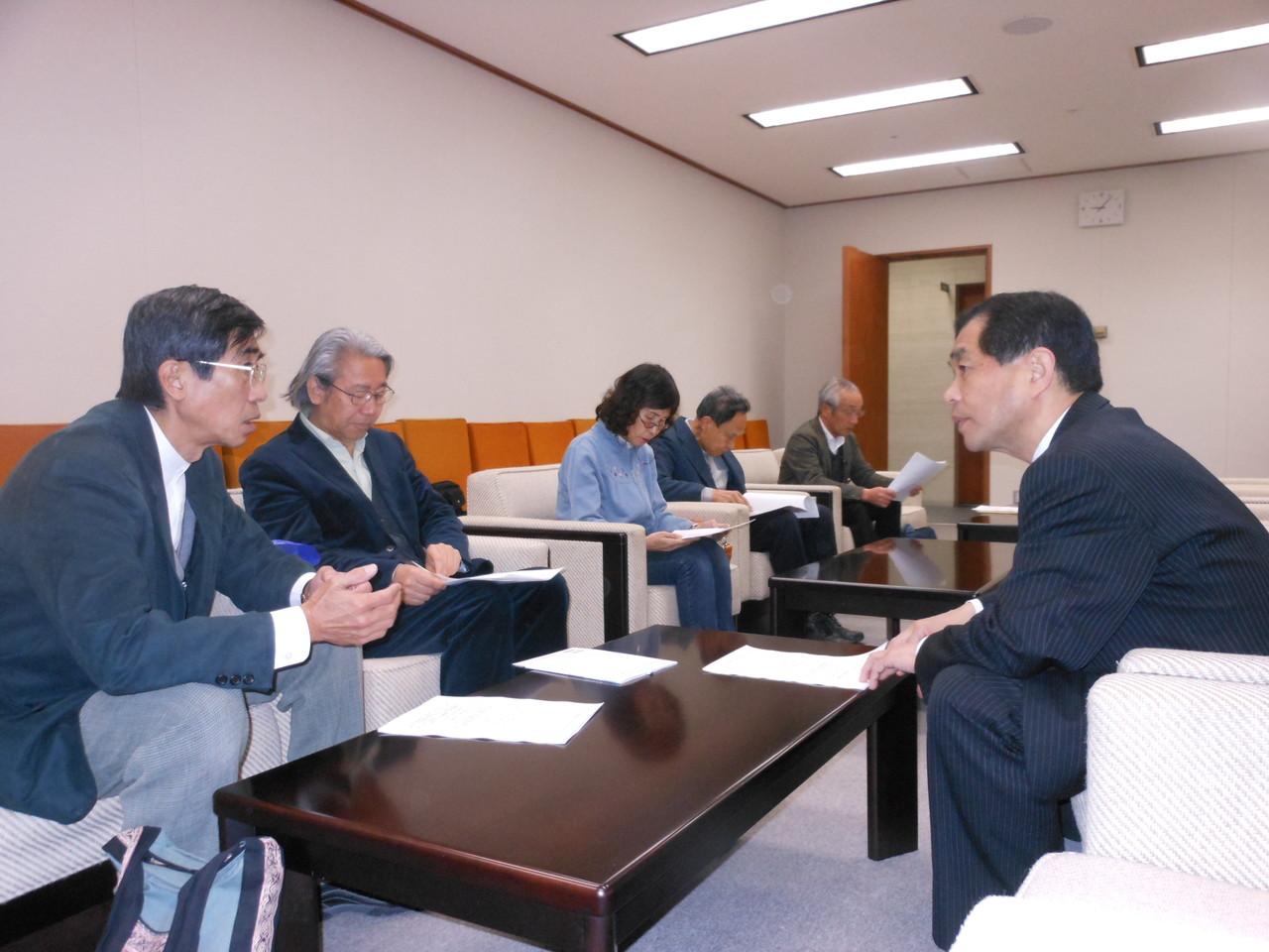 2012.3.22 震災がれき受け入れ問題で自治体へ要請