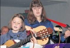 Beliebter Klang: Die Gitarrengruppe unter der Leitung von Andrea Detsch.