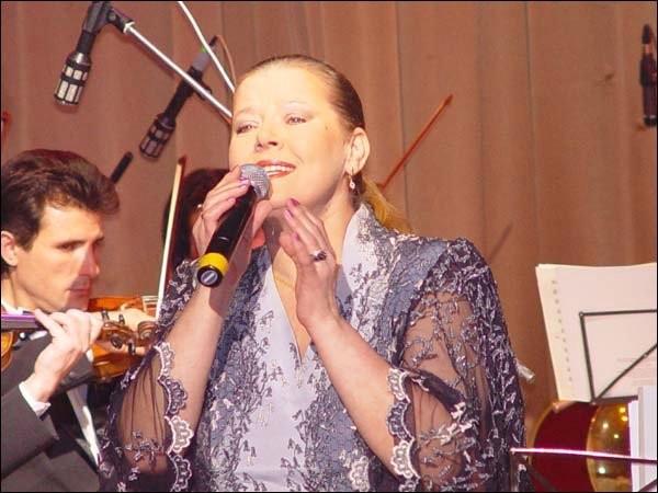 Людмила Сенчина и Эстрадно-симфонический оркестр под управлением Андрея Медведева
