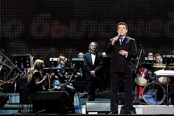 Иосиф Кобзон и Эстрадно-симфонический оркестр под управлением Андрея Медведева