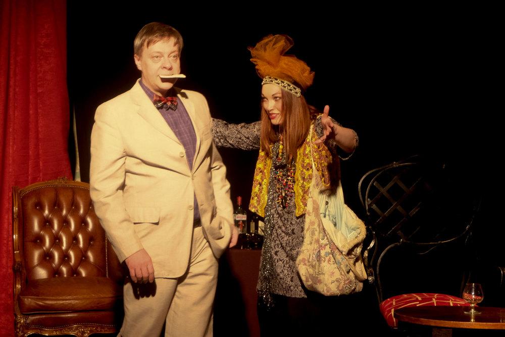 «Неугомонный дух» спектакль, театр «Астролябия»