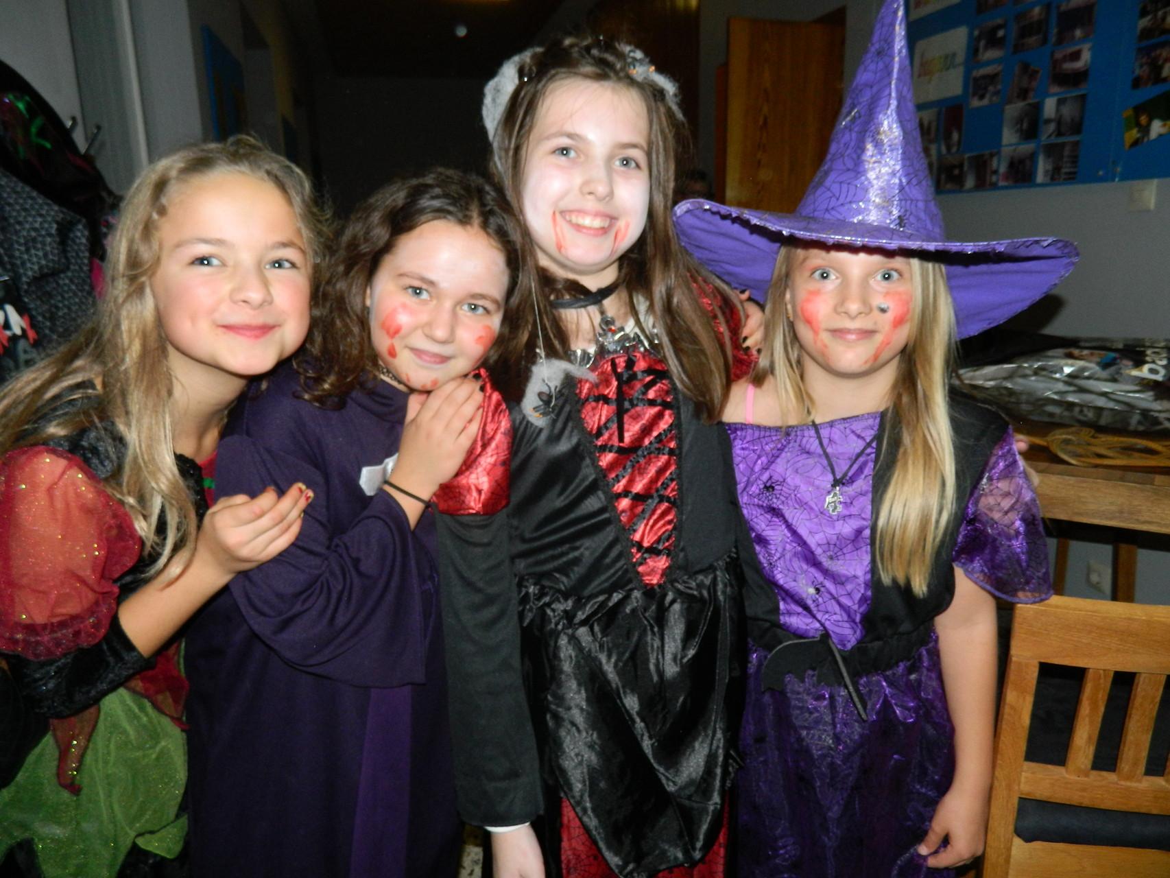 Super Halloween Stimmung durch noch bessere Kostüme :)