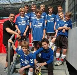 Die Jungenmannschaft der KGS mit Stefan Bahls (li.) war dieses Mal am Ende nicht ganz so erfolgreich - Foto: JPH