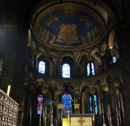 Unterschied dom kathedrale
