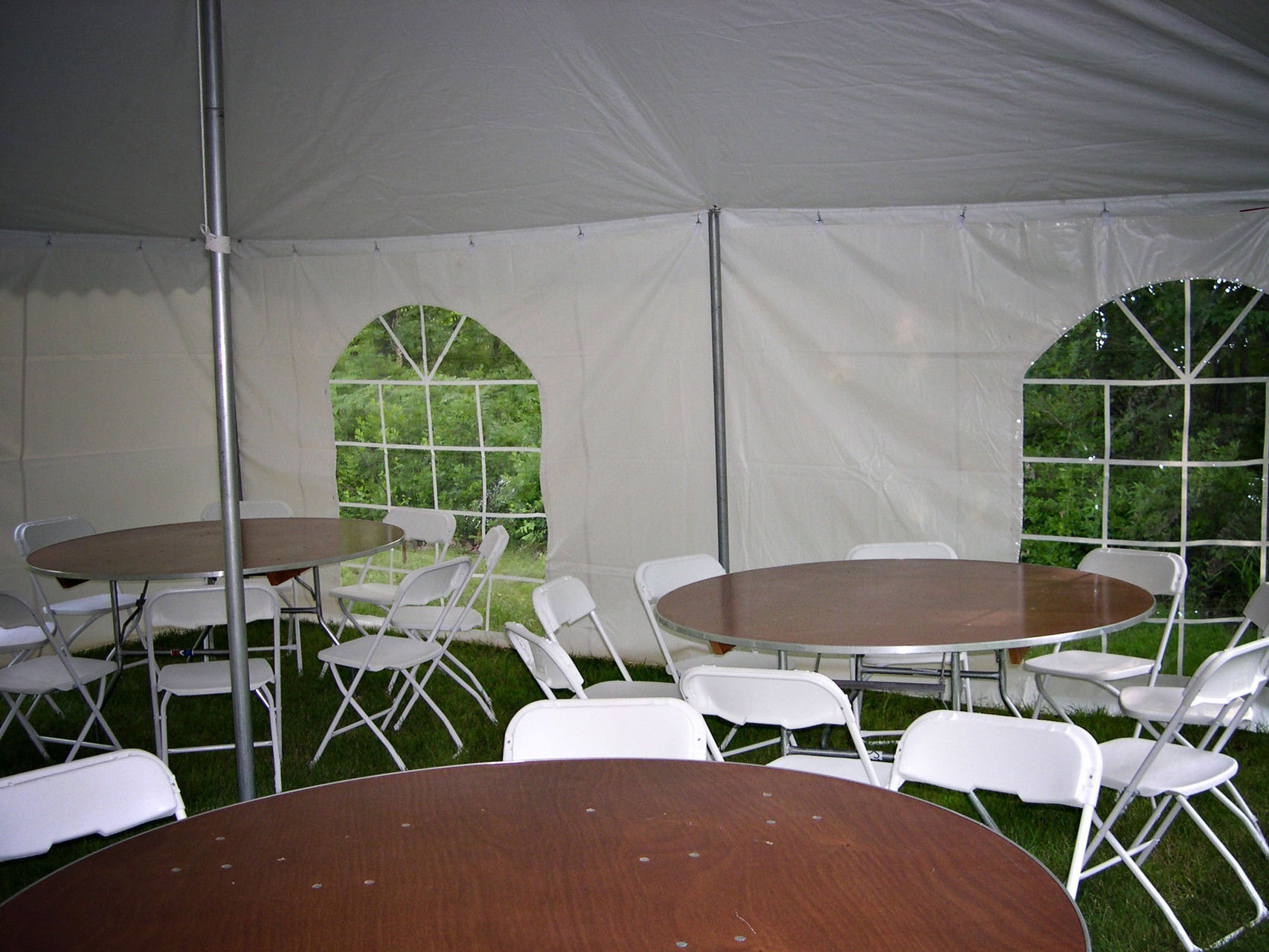 We also have round tables which seat up to 8