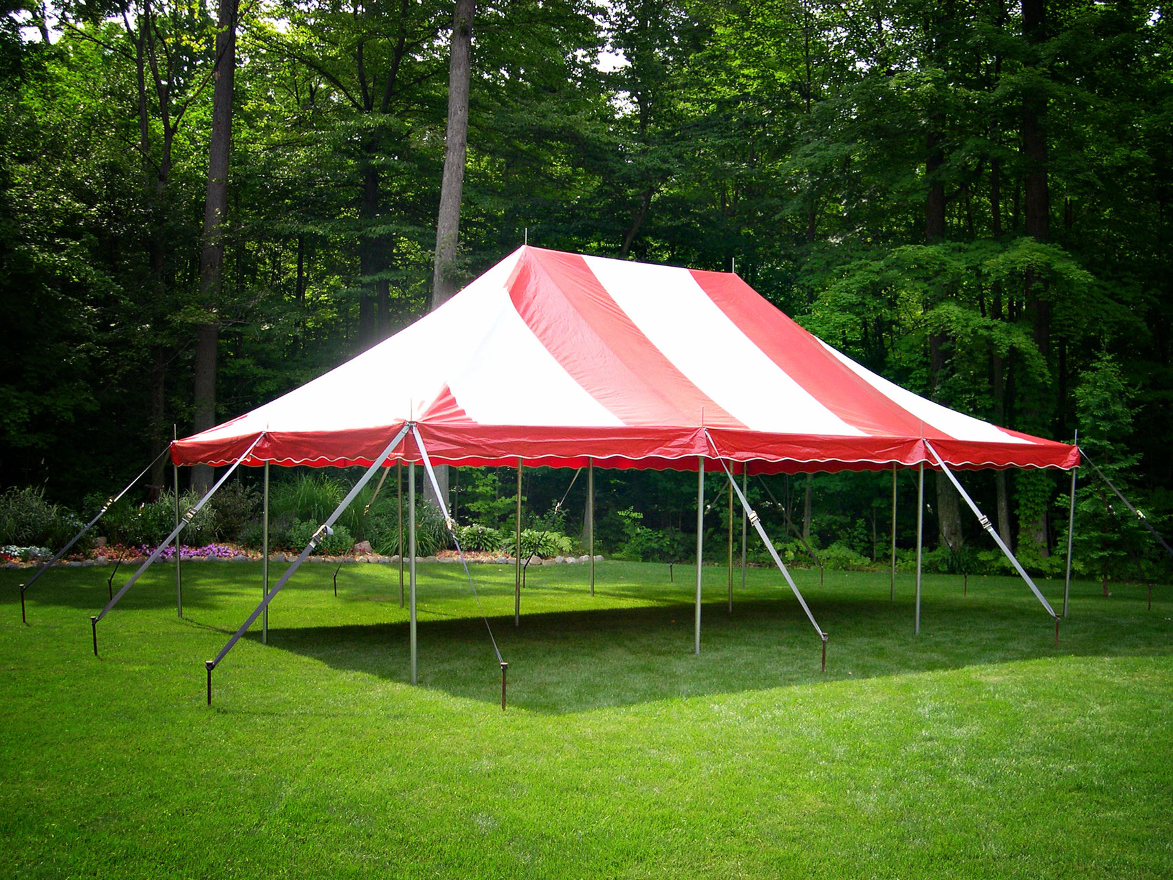 20 x 30 Pole tent seats up to 72 people with 9 banquet tables or 48 people with 6 round tables
