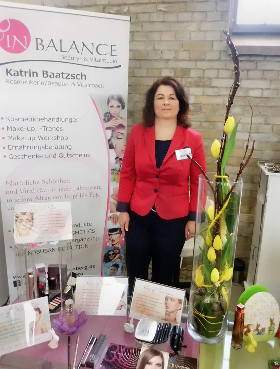 Katrin Baatzsch am Stand des InBALANCE