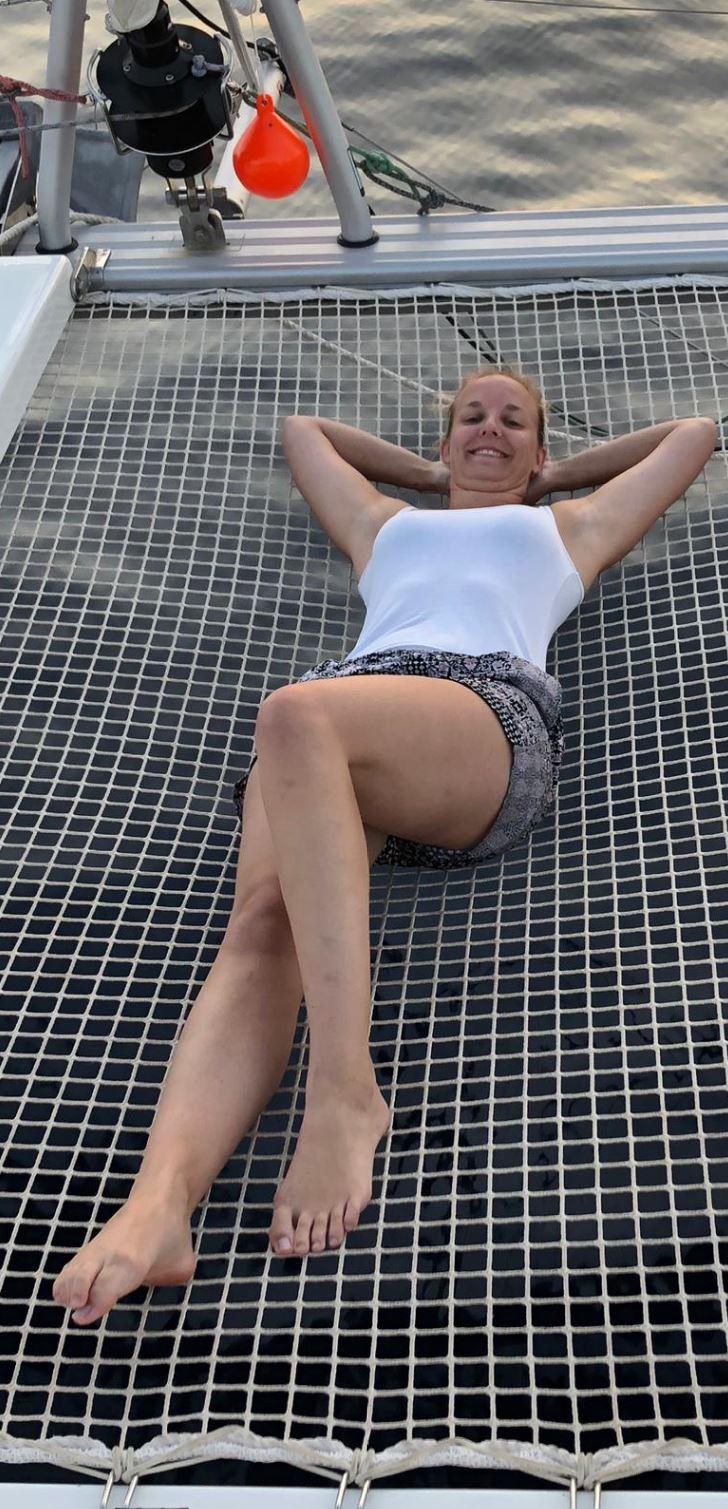 Oder im Trampolin von Katamaran Lagoon 42 - Janny relaxen