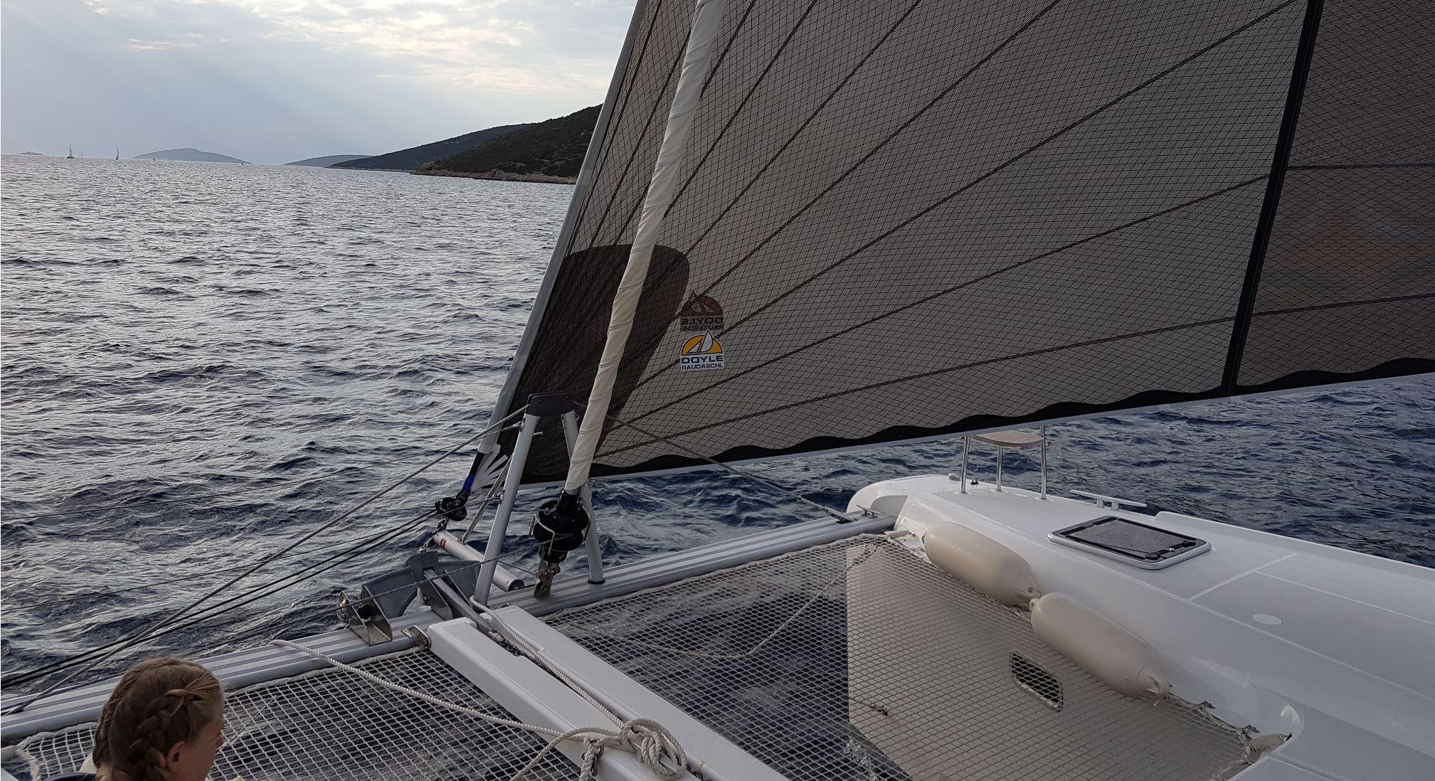 Super Segeln auf Yachtcharter Katamaran