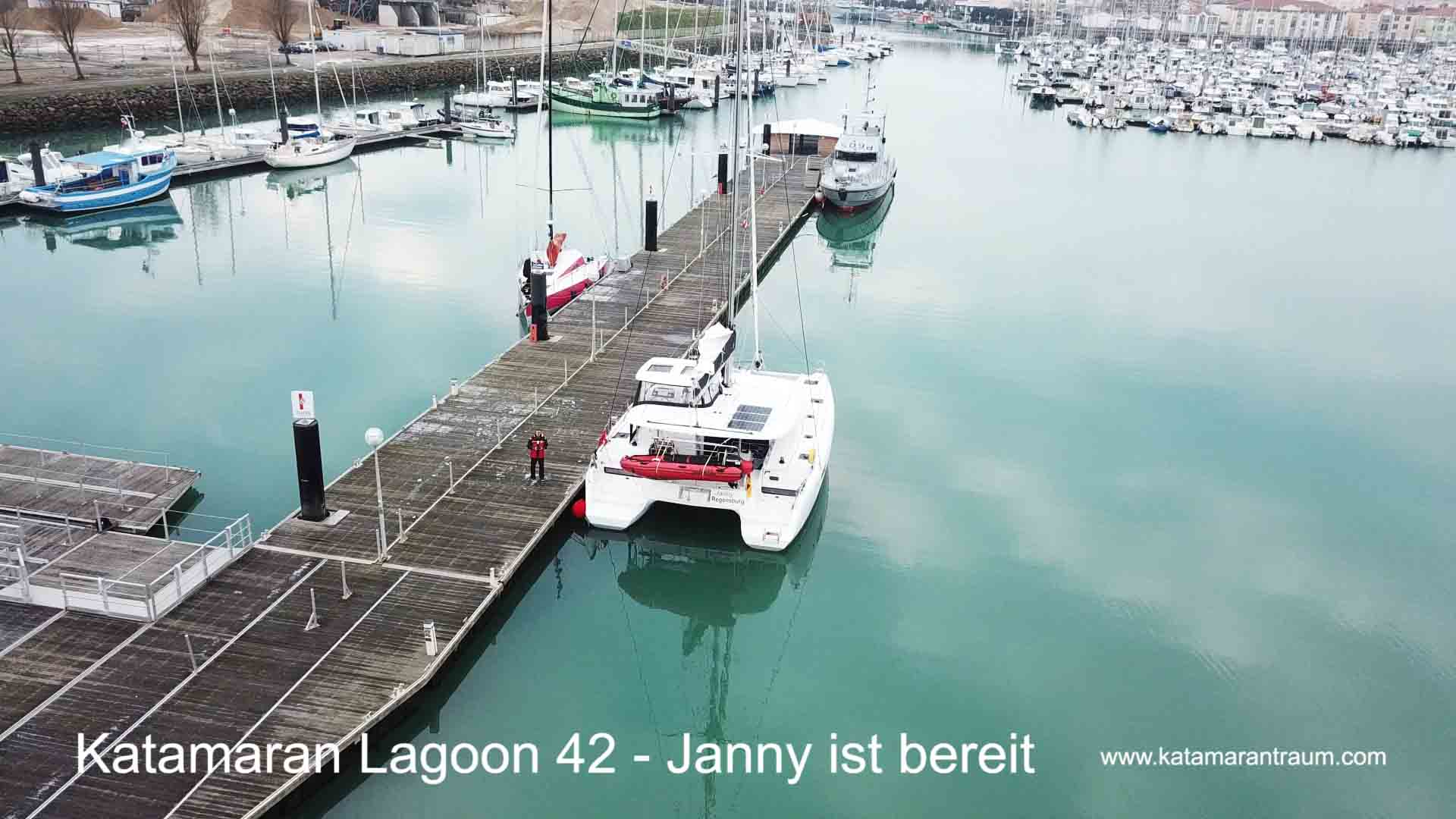 Anlegesteg nach Übergabe in Hafen - Marina von Les Sables - Frankreich