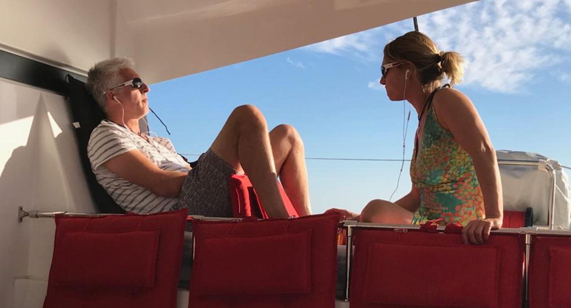 Urlaub bedeutet Relaxen auf der Luxus Katamaran Lagoon 42