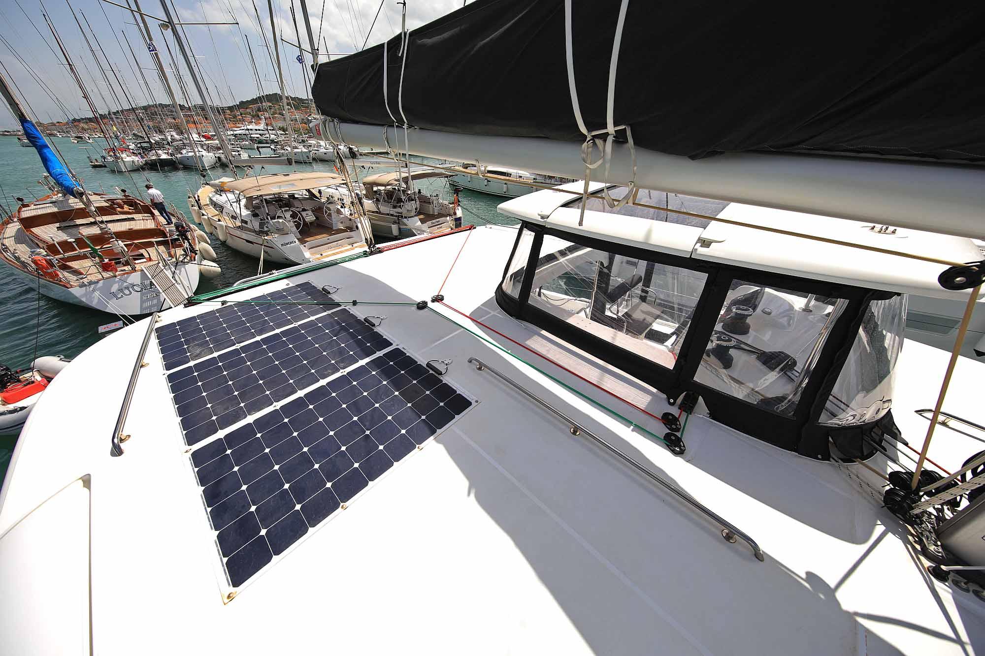 600W Solar Anlage von Katamaran Lagoon 42