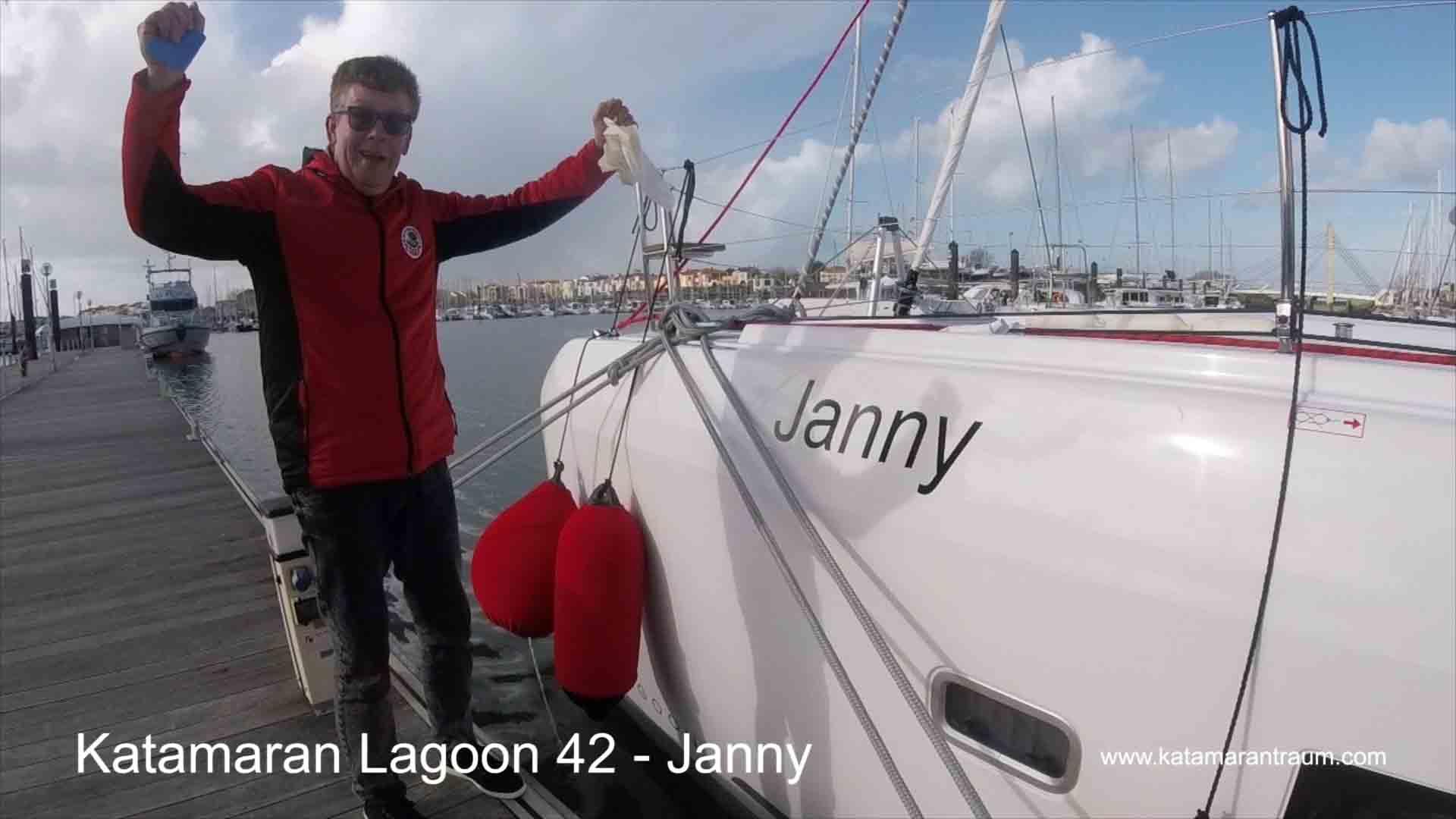 Katamaran Lagoon 42 Janny bei der Übergabe in Les Sables