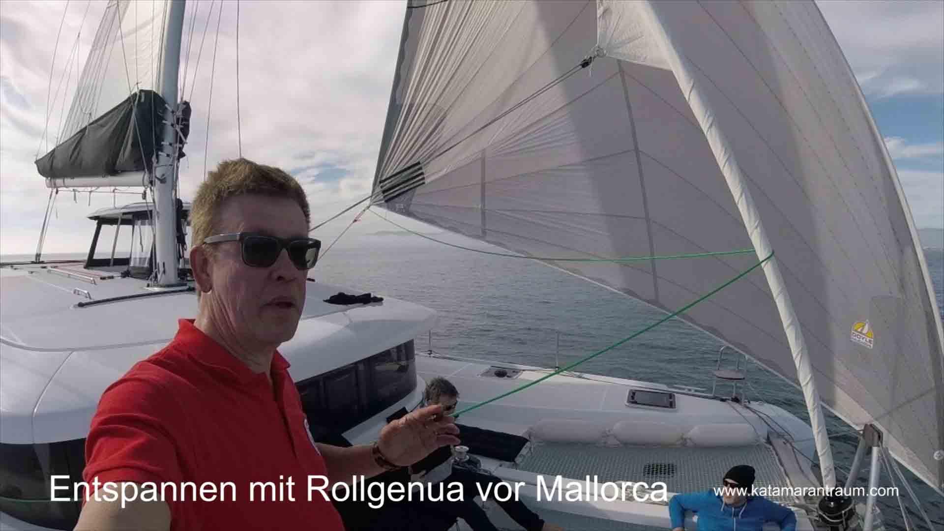 Nach Reparatur von Rollgenau, tseten wir das Vorsegel vor der Küste von Mallorca