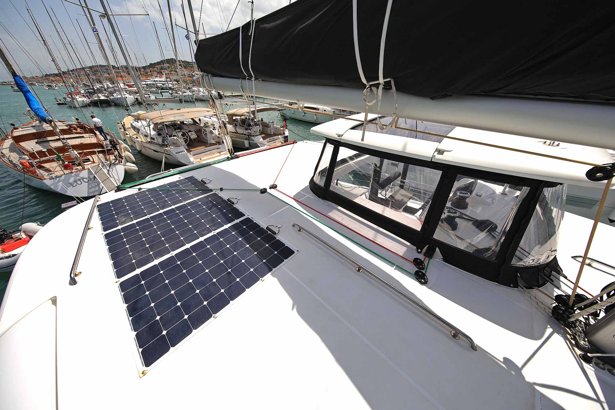 Solara installation on catamaran Lagoon 42: Ready to sail across the Atlantic