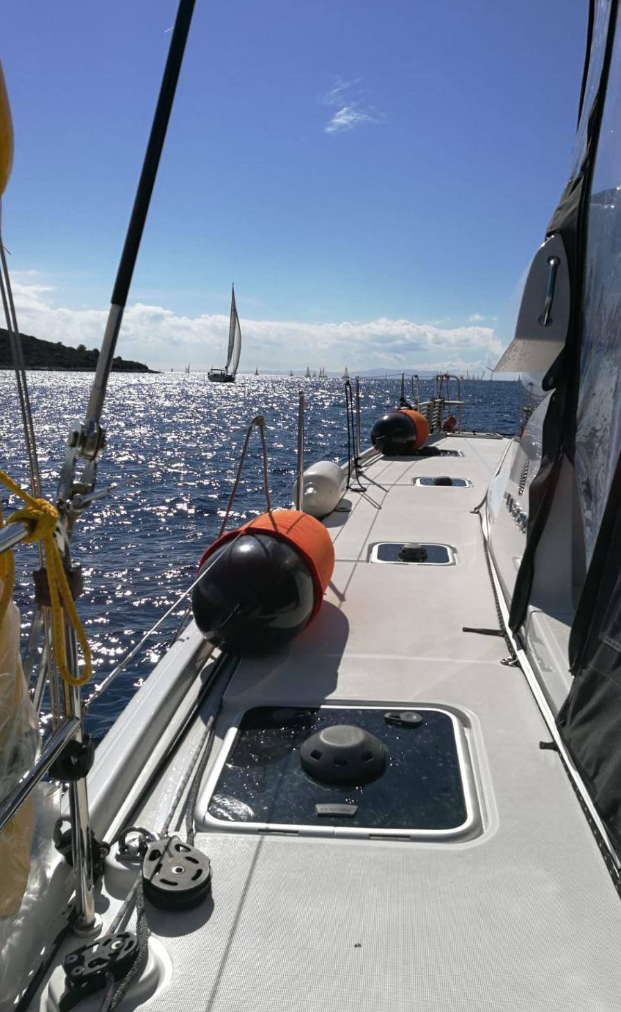 Urlaub Segeltörn ist auch Anspruchsvoll - Wir holen Segelschiff ein