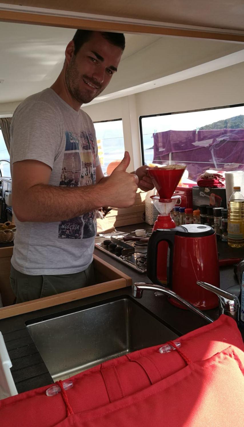Urlaubsegeln: Zeit für ein Kaffee