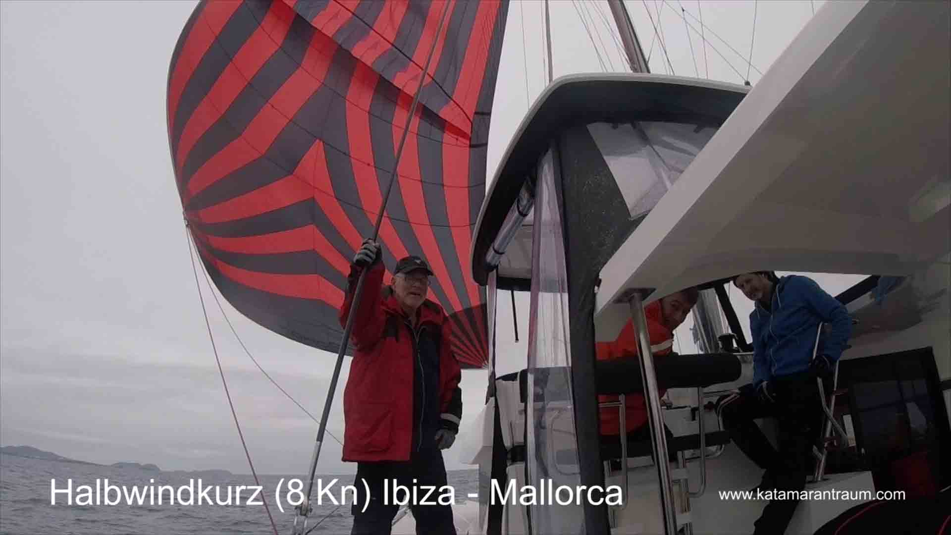 Lagoon 42 JANNY mit Mitsegeln Gast Gerhard. Wir segeln mit Wingaker Vorsegel nach Mallorca