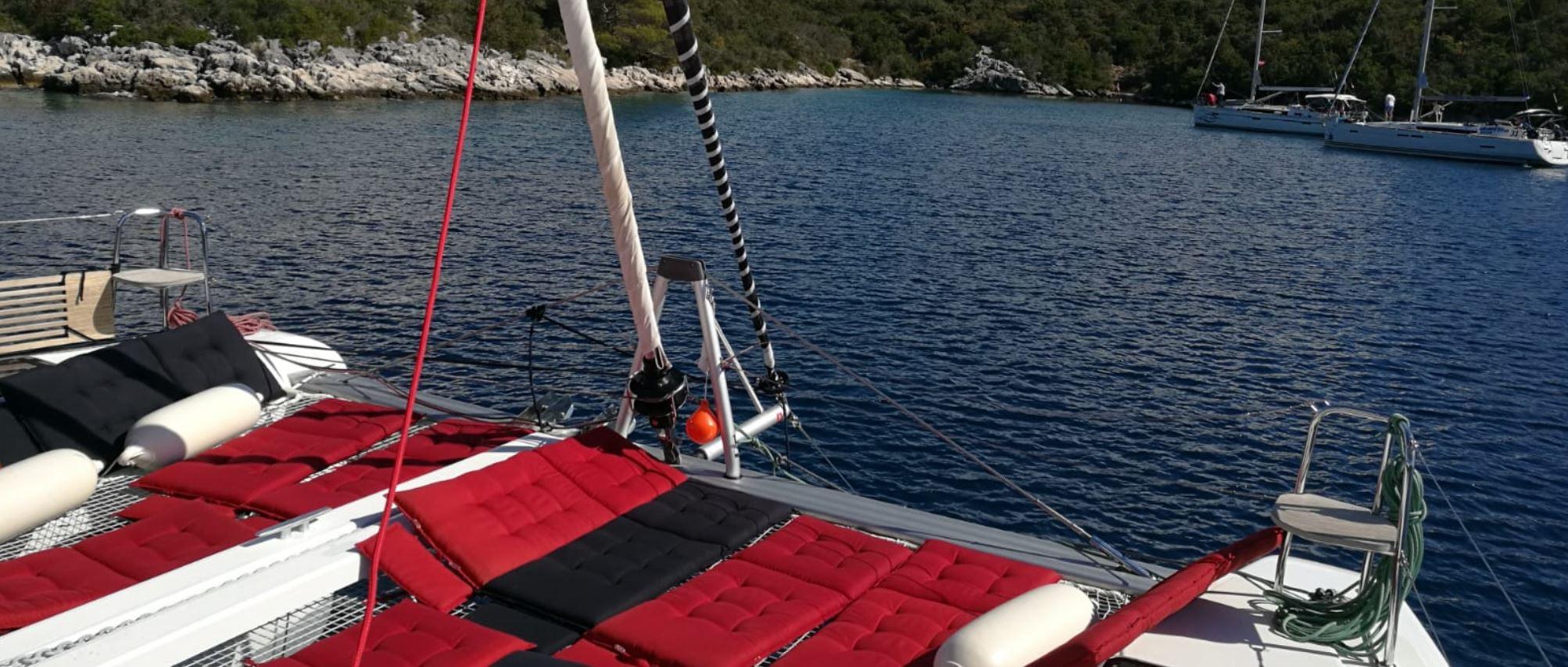 Polster auf das Trampolin für Segelurlaub