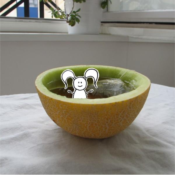 Beatrice Winkel - Trixilie in der Melonen-Badewanne