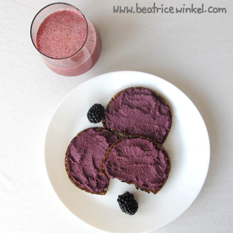 Violettes Frühstück