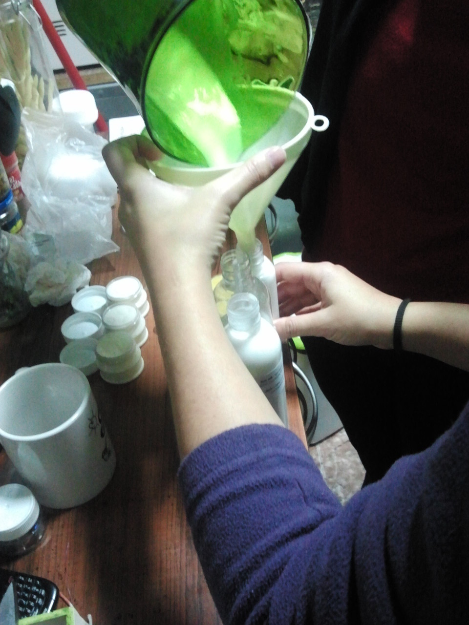 Envasando cremas