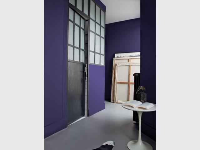 """La couleur de l'année, """"Ultraviolet"""", choisie par le coloriste Pantone, a été appliquée par le peintre Clarensac."""