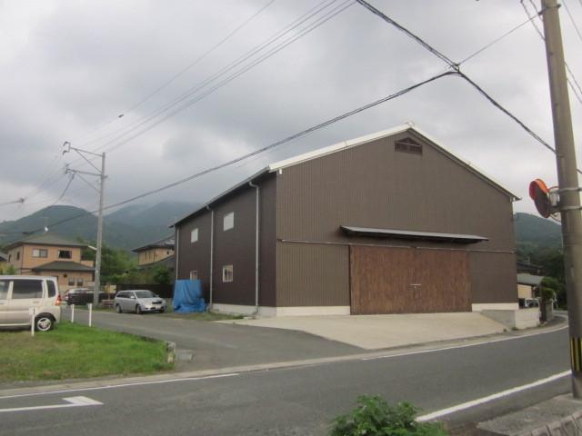 尾塚建設 倉庫