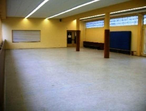 Aula der Grundschule Kripp  - Pastor-Keller-Straße 9, 53424 Remagen