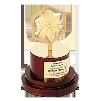 #reconocimiento con #moneda, chapa en oro, 4.5cm, con base en latón espejo, base en madera caoba, placa en latón #fotograbada, cod.54352