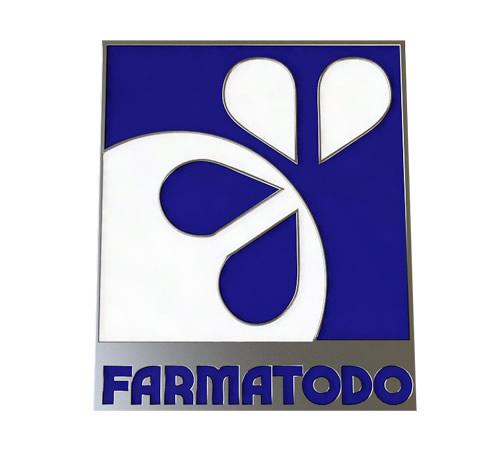 FISTOL EN LATON FOTOGRABADO, PAVONADO EN COLOR, NIQUELADO