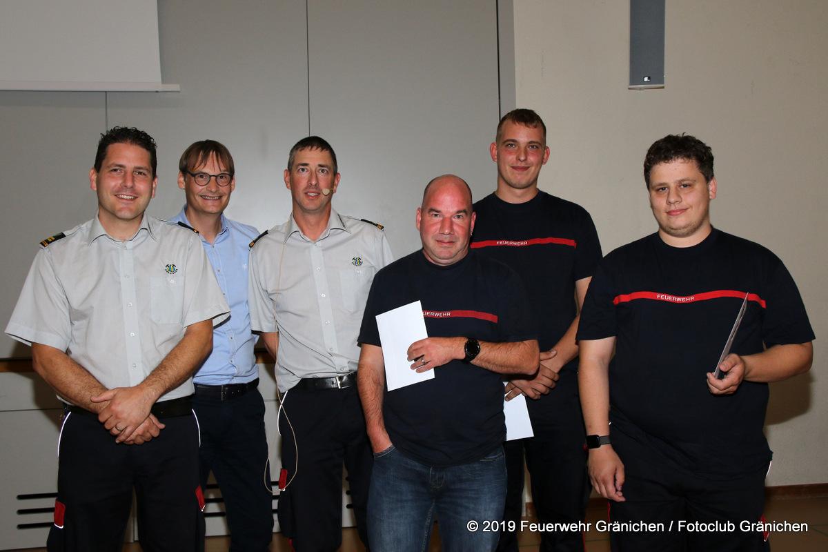Gruppenbild der Beförderten mit dem Gemeinderat André Muhmenthaler