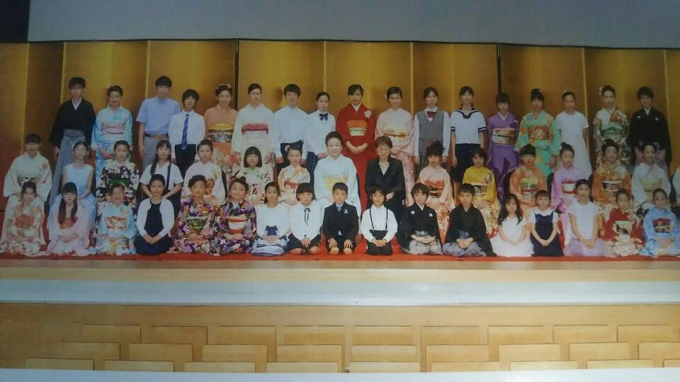 関東近辺から子供達が集まる琴の発表会   皆とても仲良くなります。