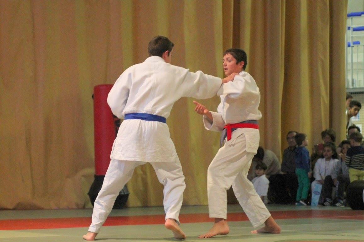 Combat de JUDO : Alexandre GAU (bleu) et Nathan LUTRAND (rouge)