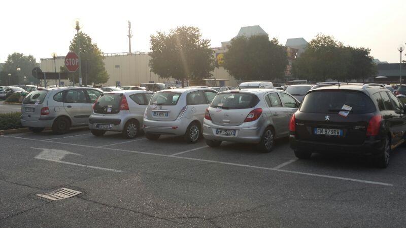 Volantinaggio su Auto Brescia