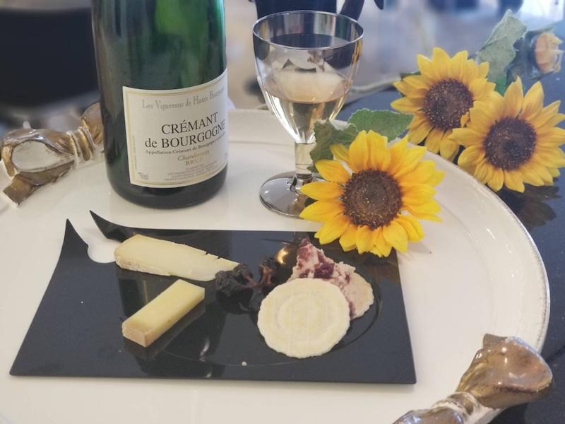 テーマはチーズと泡ものワインのお話