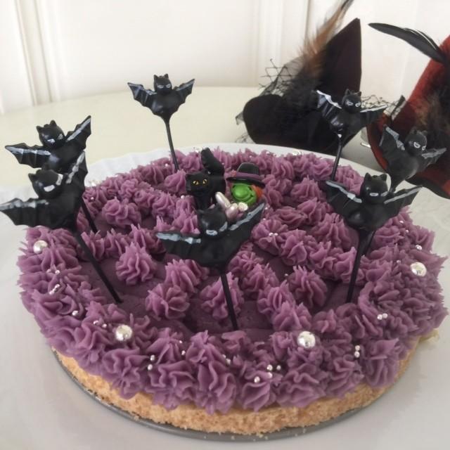 紫芋のタルトです!